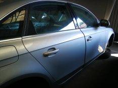 Audi A4 B8 jobb oldali ezüst színű ajtók