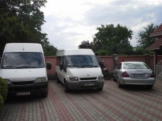 Autóbérlés autókölcsönzés bérautó bérelhető autó kisbusz teherautó