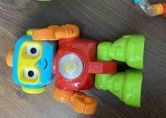 Babajáték villogó robot