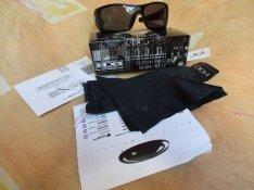 Batwolf full fekete keretes férfi oakley napszemüveg
