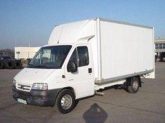 Bérautó dobozos tehergépkocsi kisteherautó bérlés autóbérlés Debrecen