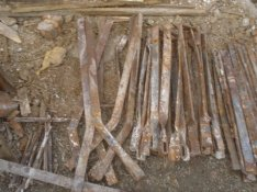 Bontott kovácsolt falbekötő kapocs jó állapotba Eladó