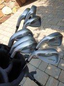 Cobra King golfszett táskával