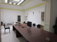 Debrecen belvárosban iroda, műhely, telephely eladó!!!