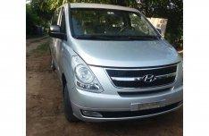 Eladó Hyundai H-1 2.5 CRDI 2008-as karosszéria elemei és beltér