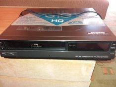 Eladó Panasonic VHS lejatszó (Video Cassette Recorder NV-G10)