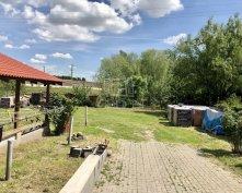 Eladó családi ház Budapest XXII. kerület, Kitűnő közlekedés, nagy kert