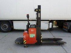 Eladó egy BT Lsf 1250 típusú platformos magasemelésű elektromos