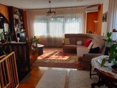 Eladó ház, Paks, 200 m2