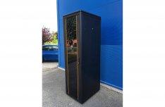 Eladó újszerű állapotú Rack szekrény 42U, 600x800cm