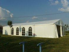 Esküvői sátor padlózattal bérelhető nem csak esküvőre