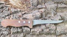 Fa nyelű kés