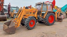 Fendt F380GT kommunális traktor