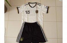Fiú német focis mez és nadrág 164-es méret 1 500 Ft