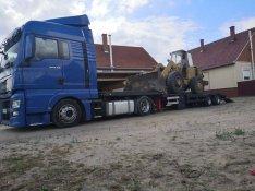 Gépszállítás: Mtz,traktorok,kombájnok,forgókotrók,permetező, pótkocsik