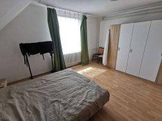 Győrtől 10 km-re kétgenerációs családi ház nagy telekkel eladó