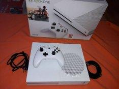 Használt 500GB Xbox One S konzol,garanciával, üzletből eladó