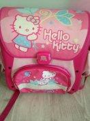 Hello Kitty Ergonómikus Iskolatáska kiváló állapotban 3000 ft fix ár