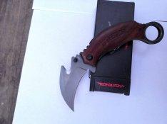 Karambit kés bicska