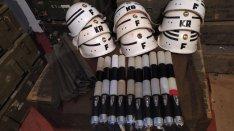 Katonai honvédségi KR és F rendész sisak MN felszerelések
