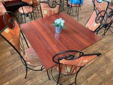 Kávéházi székek + asztal