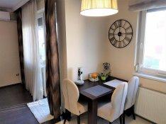 Keresek: Újabb, téglaépítésű társasházban 2-3 szobás kislakást keresek