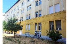 Kettéosztható 92 nm-es, 3 szobás tégla lakás a Balázs Béla utcában!