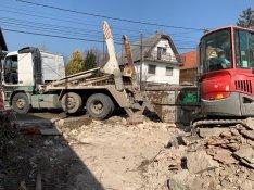 Kézi és gépi épület bontás
