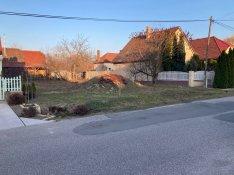 Kiskunhalas Radnóti utcában 400 m2-es építési telek eladó!