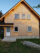 Könnyűszerkezetes,  építés alatt álló családi ház eladó