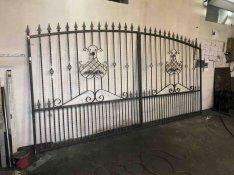 Kovácsoltvas kapu eladó