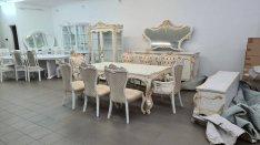 Magasfényű klasszikus hálószoba és étkező szettek