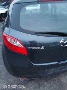 Mazda 2 karosszeriaelemek, lámpák eladók