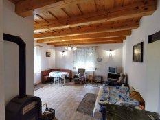 Miskolctapolcai újszerű külterületi nyaraló lakóház