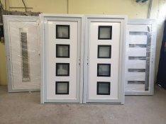 Műanyag bejárati ajtó-ingyen szállítva 98x208 cm.új