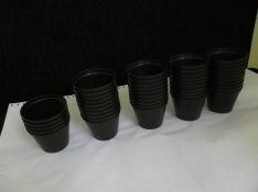 Műanyag cserép, virágcserép, ültető cserép (7 cm)
