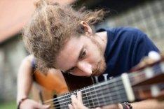 Online gitároktatás kezdőknek és haladóknak