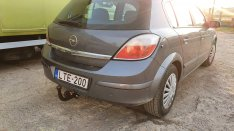 Opel Astra H vonóhorog
