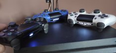 Playstation Pro 1TB+ pPS4gold + 3 controller +game