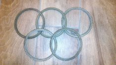 Réz gyűrű, külső átmérő 12 cm belül lépcsős kiképzéssel, gyöngysor mot