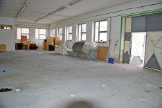Sopron központjában 300 m2-es raktár, műhely kiadó