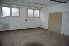 Sopron központjában 95 m2-es raktár, műhely kiadó