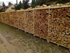 Száraz tűzifa erdei m3-es kalodában