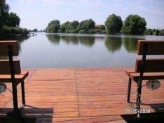 Szarvason, vízparti nyaraló Kiadó