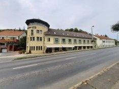 Tokaj belvárosában eladó 18 szobás , 400 nm-es szálloda