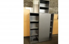 Tolóajtós szekrény, irodai szekrény, irattároló, használt irodabútor