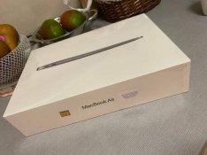 Új Bontatlan Macbook Air Retina 2020 Apple M1 chip Legújabb Magyar 1 é