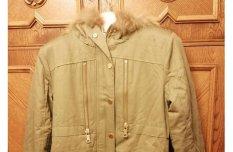 Új, cimkés kapucnis női kabá