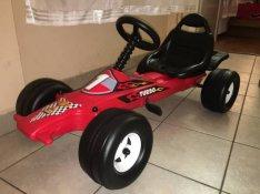 Új pedálos gyermek gokart F1 -es kisautó gyerekeknek