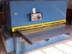 Vas- fém ipari, eladó műhely berendezések, alkatrészek